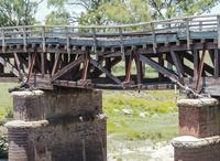 The old Tenterfield rail bridge